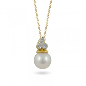 Sterling gold pendant 585 with Akoya sea pearls and diamonds