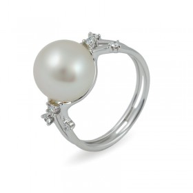 Ring in white gold 750 with sea pearls and diamonds