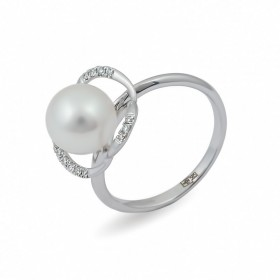 Ring from 14 karat white gold with sea pearls