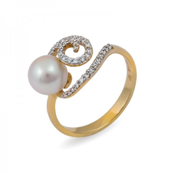 585 yellow gold ring with Akoya sea pearls and diamonds