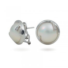 Earrings from 14 karat white gold with Mabé sea pearls and diamonds