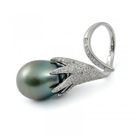 Кольцо из серебра 925 пробы со вставкой из пресноводного жемчуга
