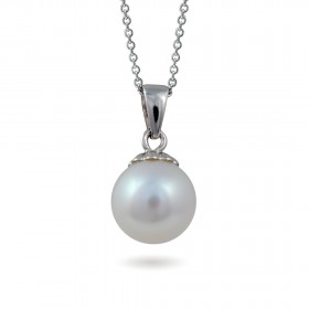18-karat white gold pendant with freshwater pearls