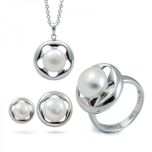 Комплект из серебра 925 пробы - серьги, подвеcка и кольцо с пресноводным жемчугом