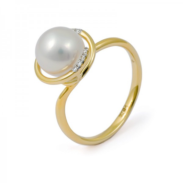 Ring in gold 750 with Akoya sea pearls and diamonds