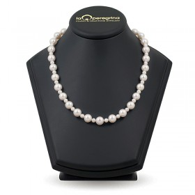 Pearl wedding necklace made of natural pearls