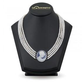 Ожерелье из натурального жемчуга с Камеей