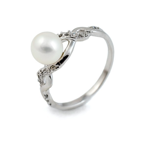 925 sterling silver ring with freshwater pearl and zirconium insert