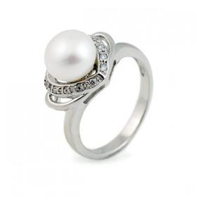Кольцо из серебра 925 пробы со вставкой из пресноводного жемчуга и циркония